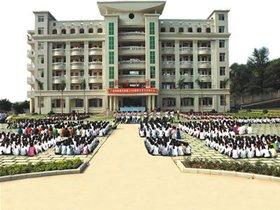 广西梧州商贸学校图片