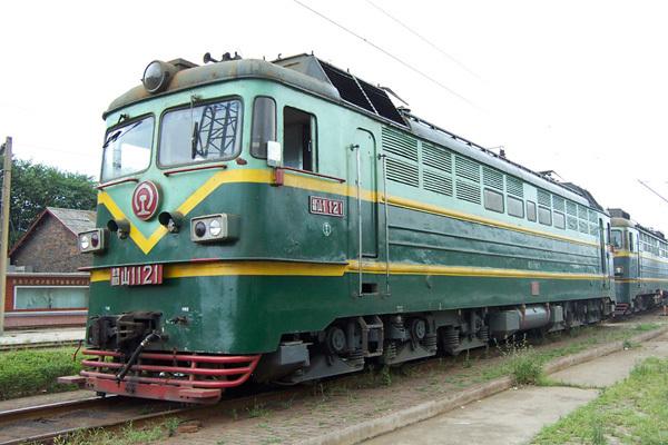 (图)韶山1(ss1)型电力机车