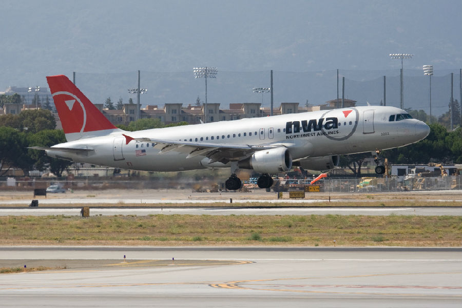 一家美国航空公司都多,以及载有比任何一家客运航空公司还多的货物.