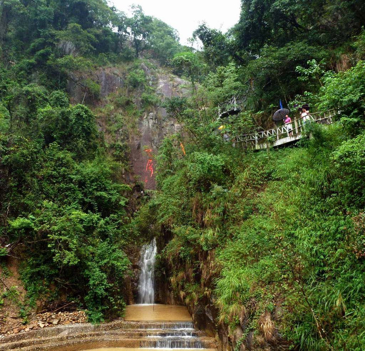 平安生态旅游风景区位于象头山系列国家级然保护区