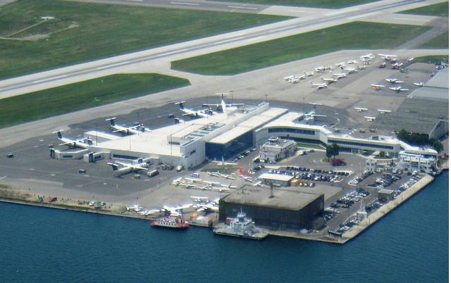 市多伦多群岛上的小型机场