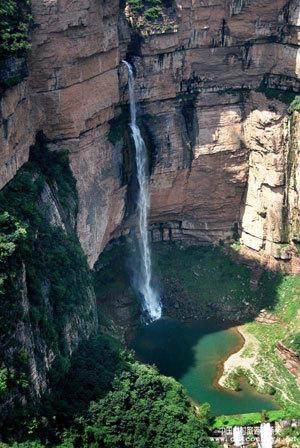 编辑本段太行大峡谷   太行大峡谷风景区地处河南省西北部,南太行山