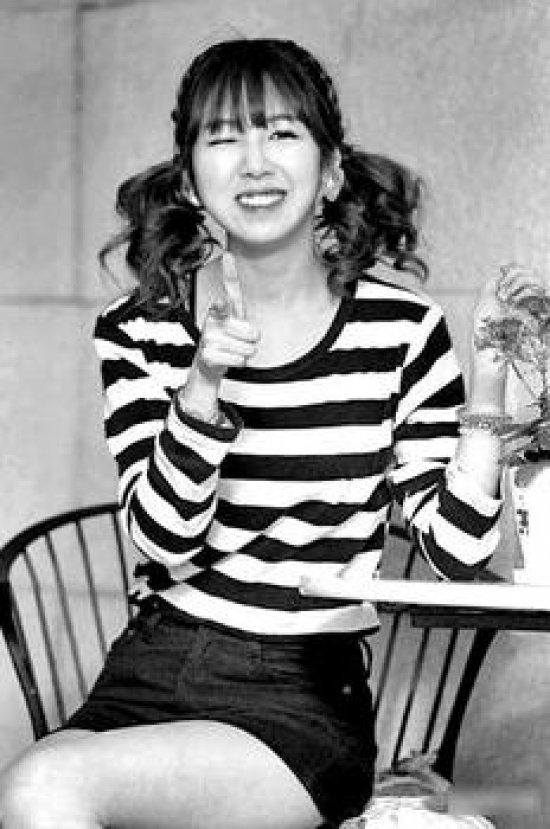 神曲 可爱颂 hari卖 荷莉表演《可爱颂》. 》》90后-可爱颂歌词 韩图片