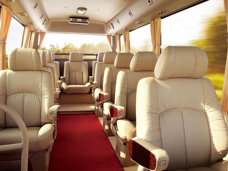 在内饰设计方面,威斯达内部空间处处蕴含细致呵护,座椅经过优化设计